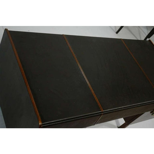 John Widdicomb Mid-Century Modern Desk by Bert England for Widdicomb in Leather, Walnut and Bronze For Sale - Image 4 of 10