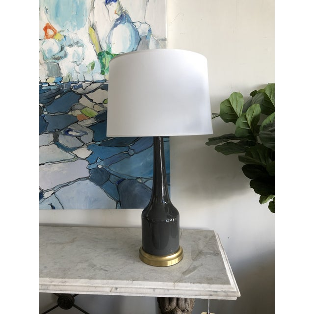Mid-Century Modern Fox Mill Co. Gray Ceramic Table Lamps with Shades - a Pair For Sale - Image 3 of 9