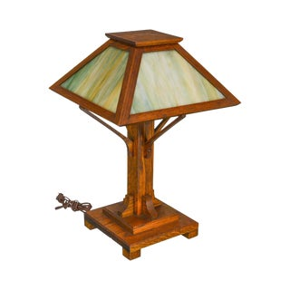 Mission Arts & Crafts Style Antique Oak Slag Glass Lamp For Sale