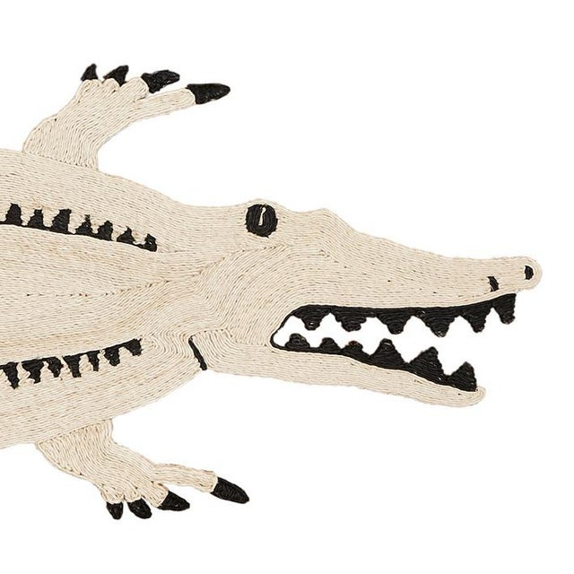 Schumacher Modern Schumacher Charlap Hyman & Herrero Crocodrilo Crocodile Natural Abaca Rug - 2′5″ × 9′ For Sale - Image 4 of 5