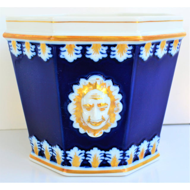 Vintage Mottahedeh Cobalt & White Neoclassical Cachpot For Sale - Image 12 of 12