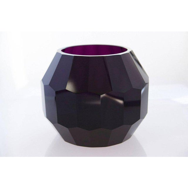 Mid-Century Modern Dark Violet Hand Cut Crystal Vase Attributed to Josef Hoffmann for Moser & Söhne For Sale - Image 3 of 9