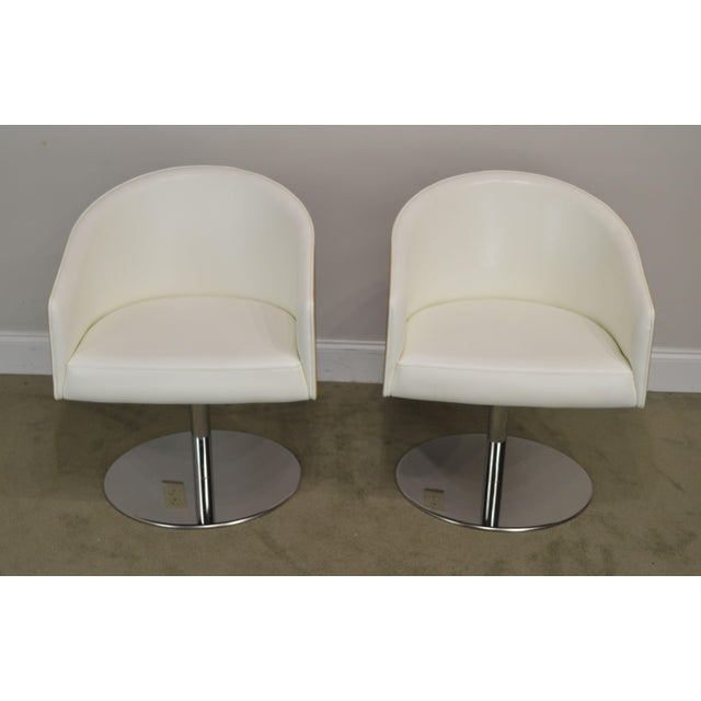 Mid-Century Modern White Leather & Zebra Wood Barrel Back Pair Chrome Pedestal Swivel Lounge Chairs by Cape (F) For Sale - Image 3 of 13