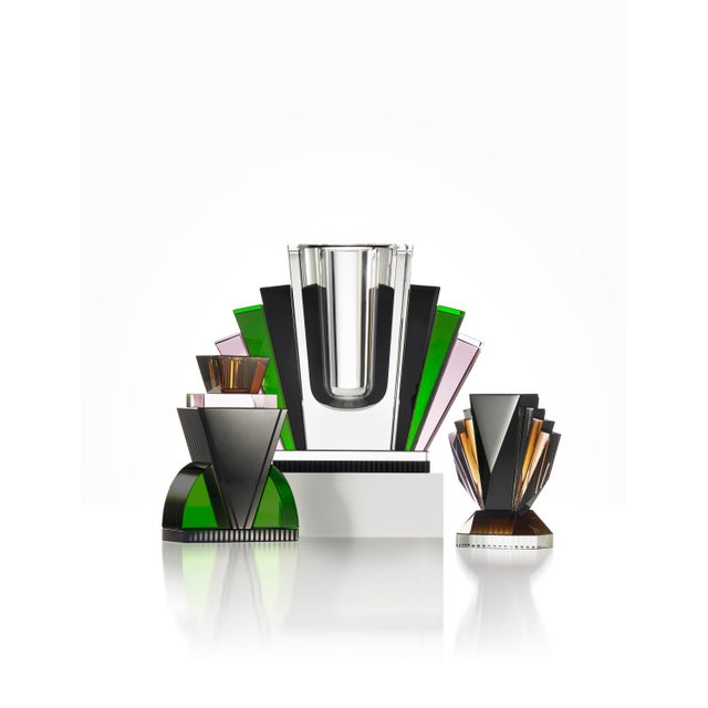 Harlem vase - Handsculpted contemporary crystal Decorative bowl Handsculpted in crystal Measures: L 21.3 x H 17.8 x D 10...