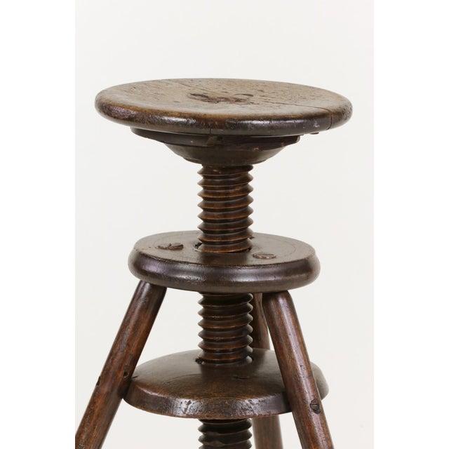 1870s English Oak Three Legged Adjustable Artist Stool For Sale - Image 9 of 12