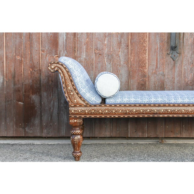 Exclusive Anglo Indian Bone Inlaid Chaise Lounge With Linen Block Print Upholstery For Sale - Image 4 of 13