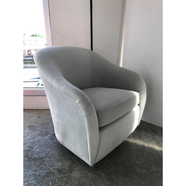 Pair of Mid-Century Modern Swivel Lounge Chairs in Grey Velvet, Circa 1970s For Sale In Miami - Image 6 of 13