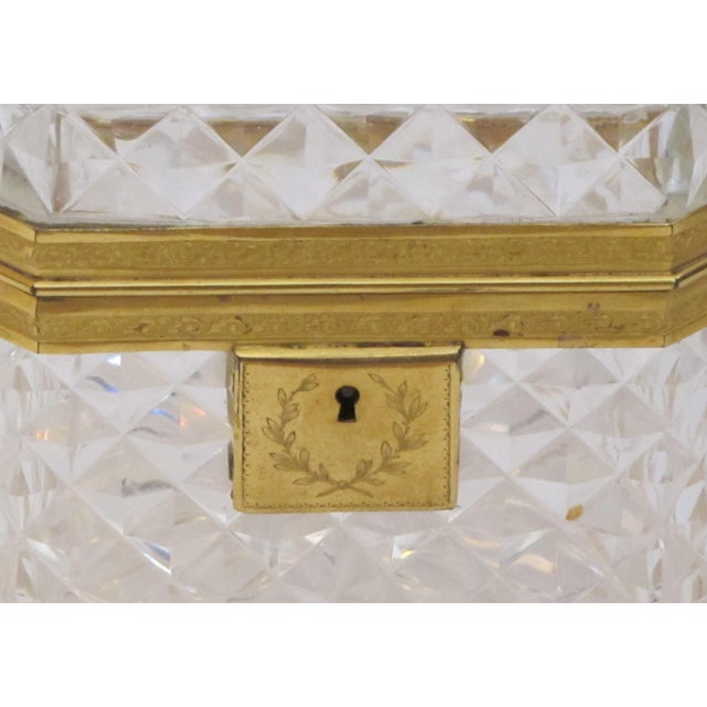 Traditional An Exquisite Antique Baccarat Diamond-Cut Crystal Vanity Box With Dore Bronze Mounts For Sale - Image 3 of 9