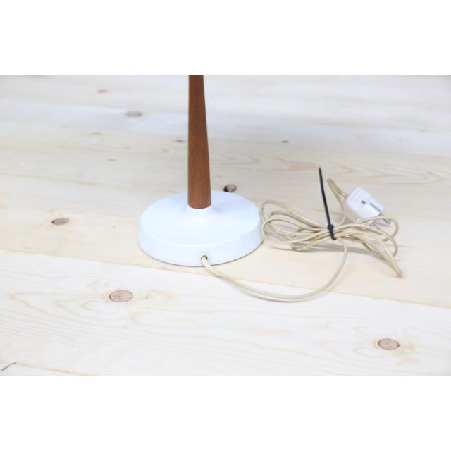 Chinese Hat Style Scandinavian Table Lamp For Sale - Image 4 of 5