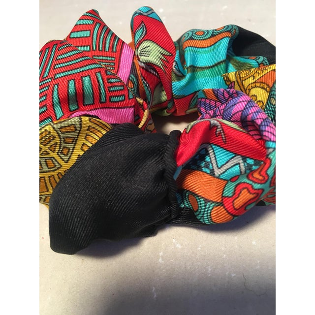 Abstract Hermes Handmade Vintage Silk Scarf Scrunchie in Black, Teal, and Red Illustrated Print For Sale - Image 3 of 13
