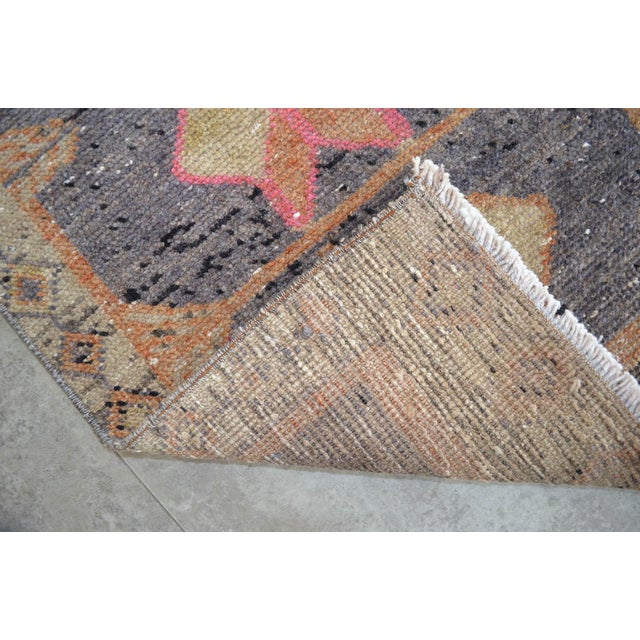 """Turkish Oushak Rug Mat Distressed Small Rug - 1'9"""" X 2'8"""" For Sale - Image 3 of 4"""
