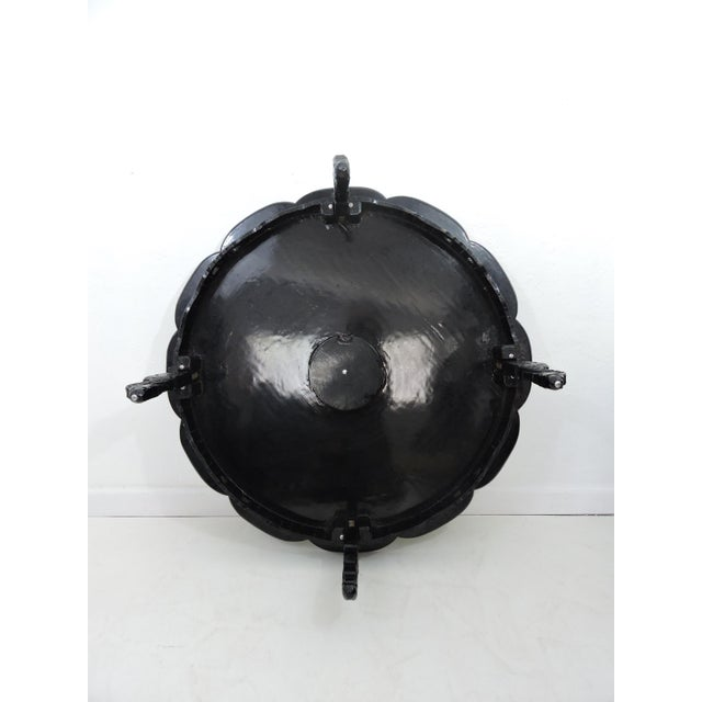 Metal Mid 20th Century Asian Black Lacquer and Inlaid Mother of Pearl Folding Round Coffee Table For Sale - Image 7 of 9