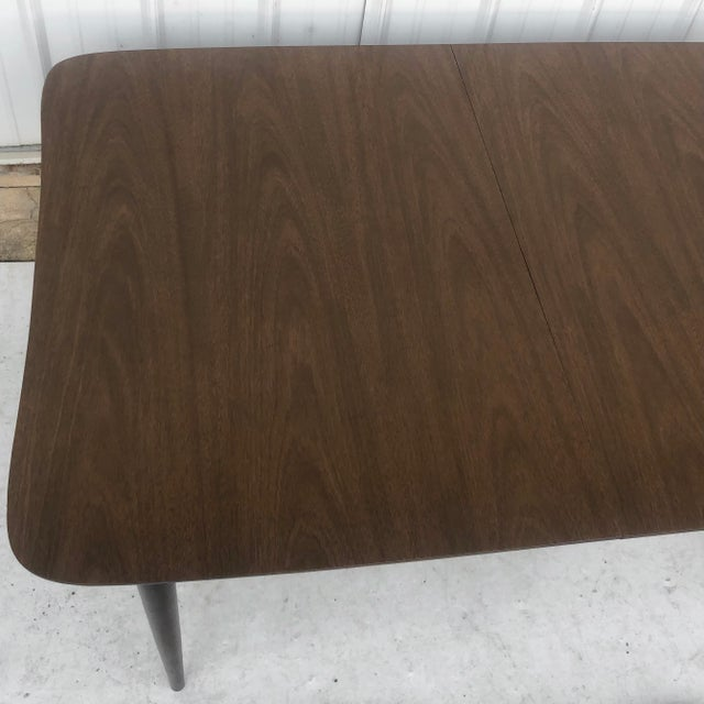 Bassett Mid-Century Dining Table With Leaf For Sale - Image 4 of 13