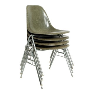 Eames Herman Millers Dss Fiberglass Chairs in Olive Color - Set of 4 For Sale
