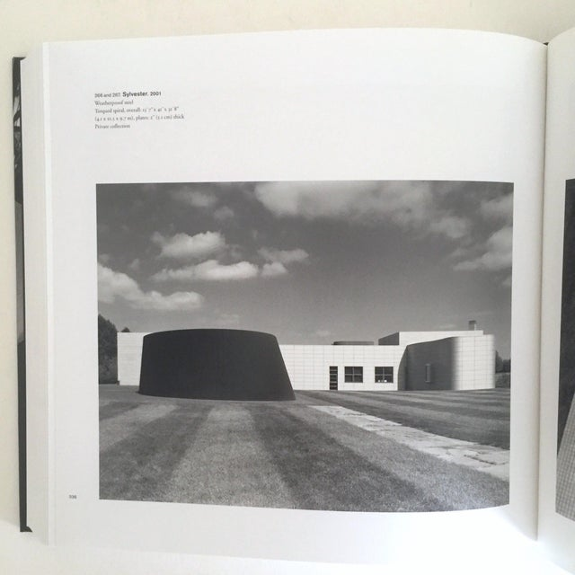 """Paper """"Richard Serra Sculpture : Forty Years """" Rare Moma Exhibition Hardcover 1st Edtn Book For Sale - Image 7 of 10"""