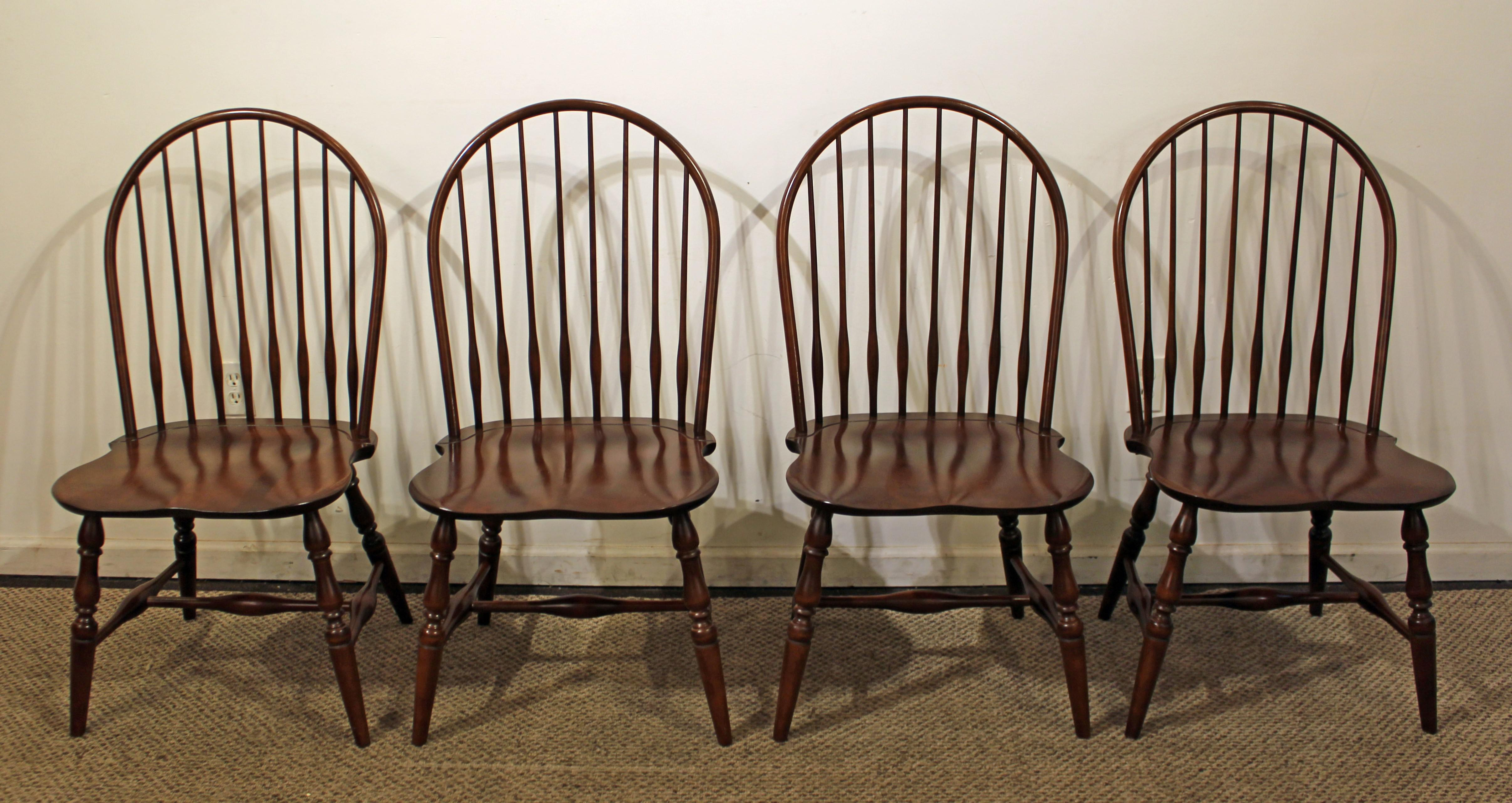Set Of 4 Traditional Windsor Hoop Back Cherry Dining/Side Chairs   Image 4  Of