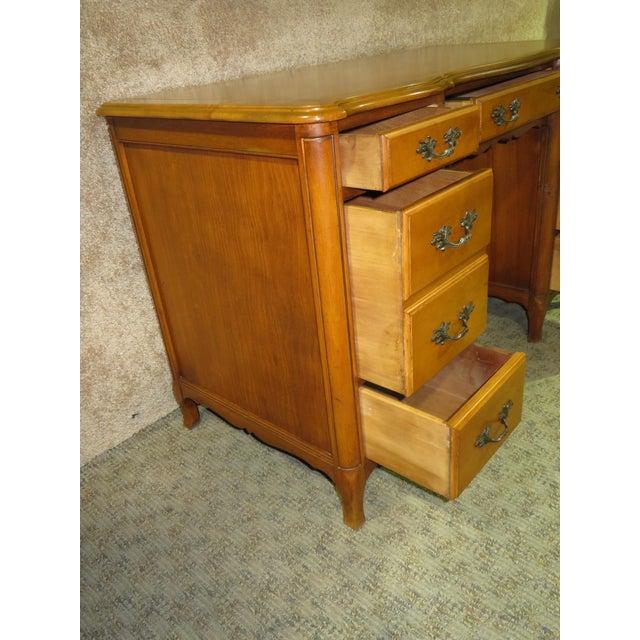 1970s French Provincial Sligh Partner Desk For Sale In Philadelphia - Image 6 of 13