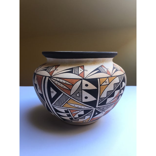 "Acoma Pueblo Pottery, Westly Bagaye ""Quail"" For Sale - Image 11 of 11"