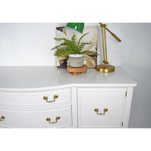 Paint 19th Century Traditional Henredon George III Style Mahogany White Sideboard For Sale - Image 7 of 11