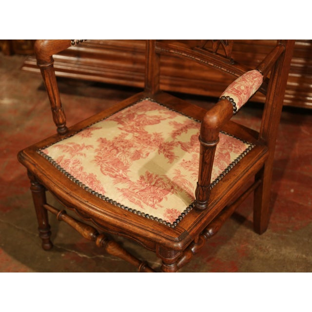 19th Century French Louis XVI Carved Walnut Chauffeuse Chair With Vintage Fabric For Sale In Dallas - Image 6 of 10