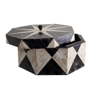 Horn and Bone Star Pattern Tessellated Decorative Box For Sale