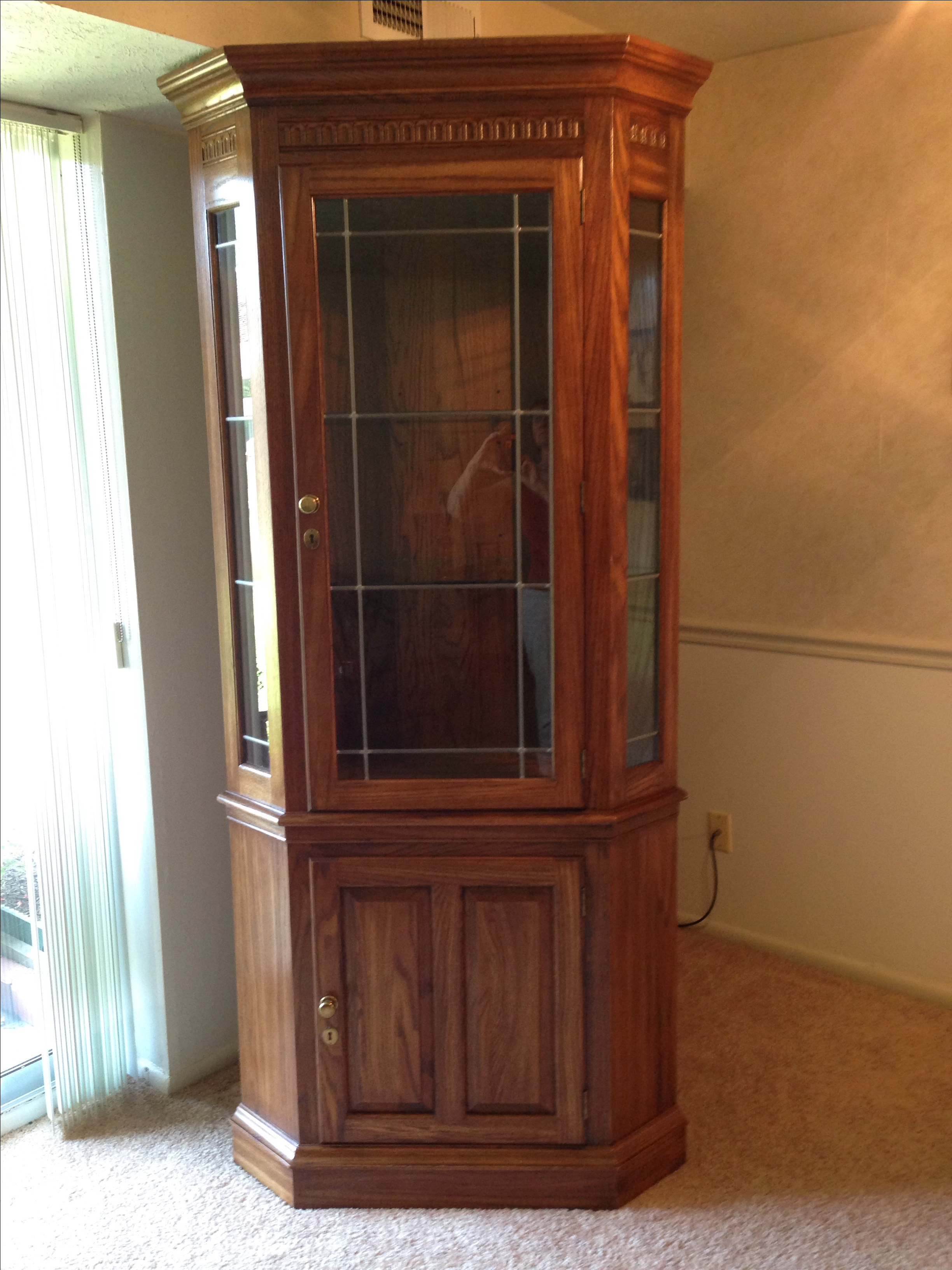 Pennsylvania House Lighted Corner China Cabinet   Image 2 Of 6
