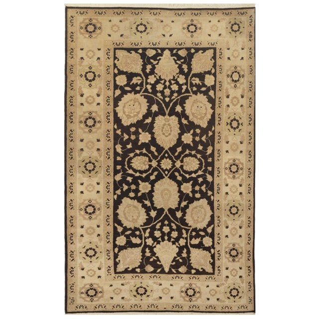 Islamic Mansour Fine Handmade Sultanabad Rug For Sale - Image 3 of 3