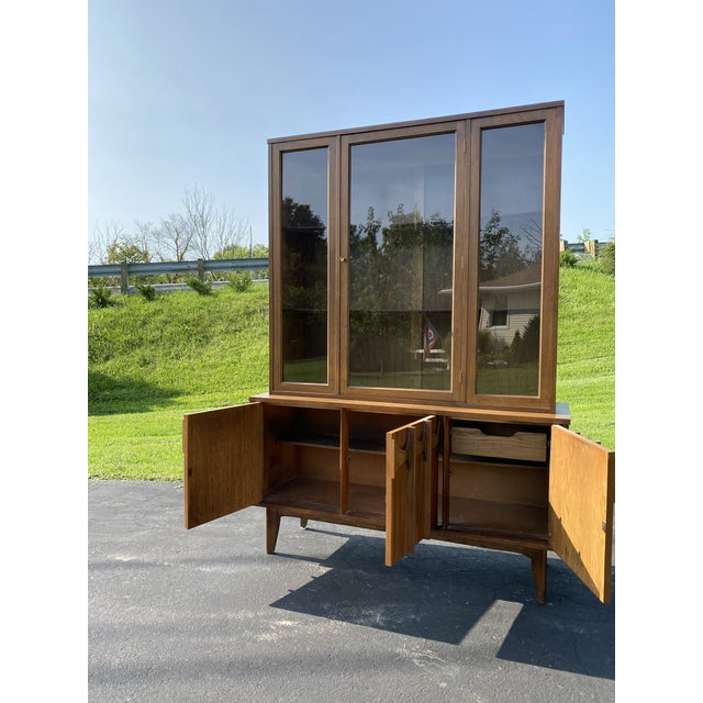 Kent Coffey 1960s Mid Century Blowing Rock Industries Kent Coffey Style Pecan Walnut Display China Hutch For Sale - Image 4 of 9
