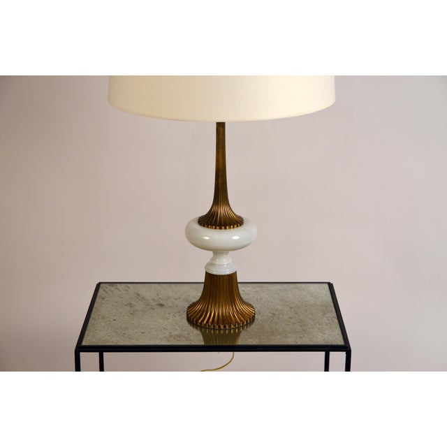 1960s Elegant Gilt Bronze and Opaline Tassel Lamp in the Style of Tony Duquette For Sale - Image 5 of 10