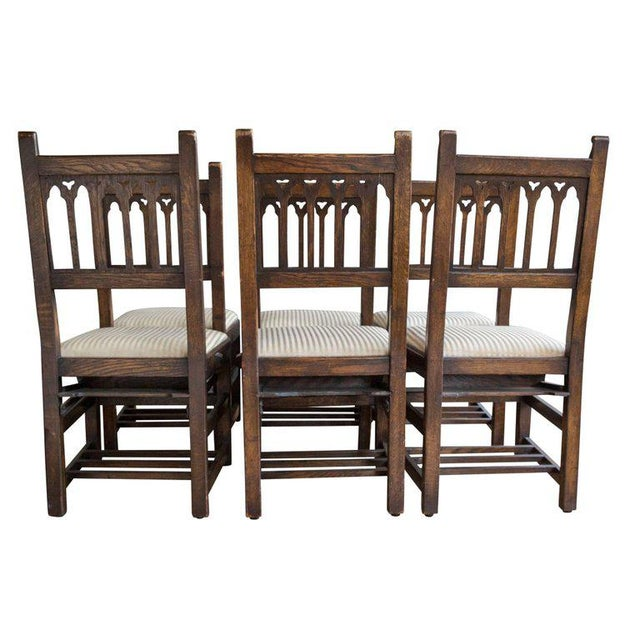 Set of Six Oak Gothic Revival Pew Chairs from Riverside Church - Image 4 of 11