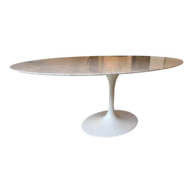 Oval-Shaped Tulip Dining Table For Sale
