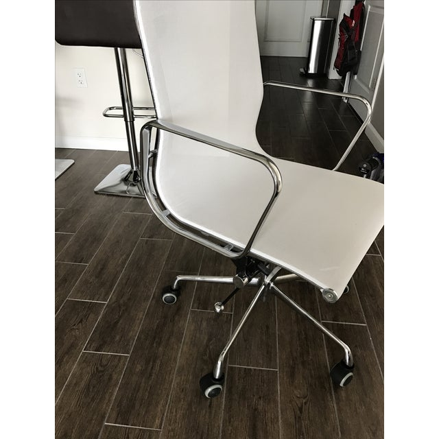 Eames Style High Back Mesh Office Chair - Image 4 of 7