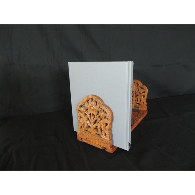 "Vintage hand carved Indian book shelf or stand. Expandable wooden shelf expands up to 19"" Size: 13""L x 5""W x 6.1/4""H."