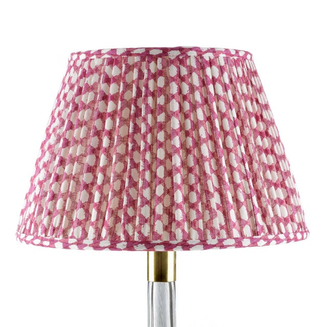 Fermoie Gathered Linen Lampshade in Fuchsia Wicker, 16 Inch For Sale - Image 4 of 4