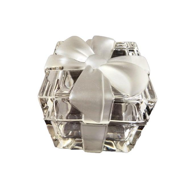 "3 3/4"" Tiffany & Co. Ribbon & Bow Crystal Trinket Box For Sale"