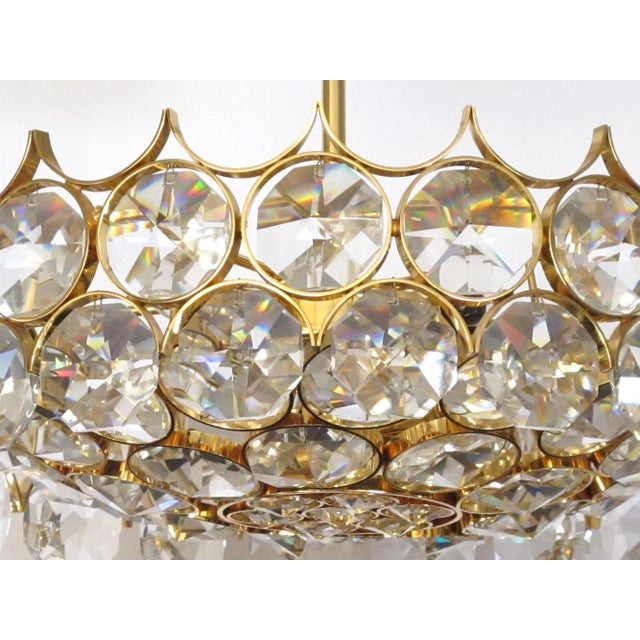 1960s Gaetano Sciolari for Palwa Gilt-Brass and Crystal 6-Light Pendant Chandelier For Sale In San Francisco - Image 6 of 11