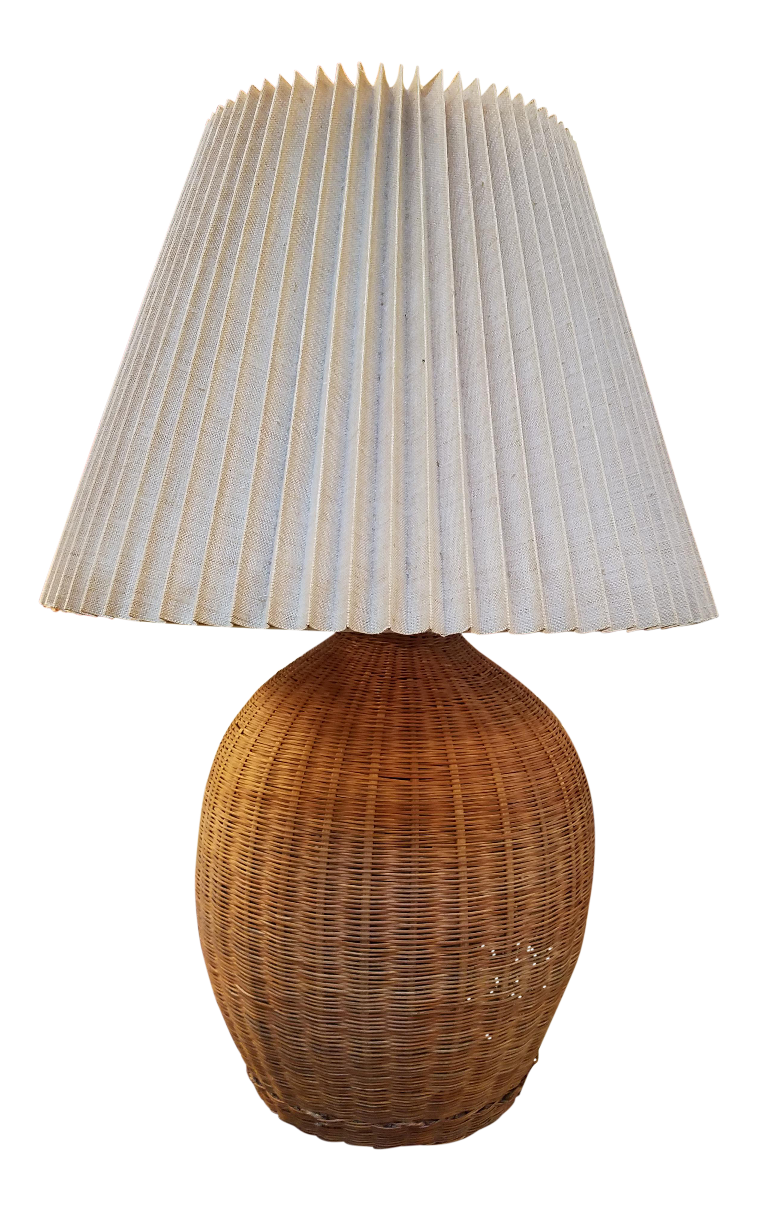 Charming 1960s Boho Chic Natural Wicker Table Lamp
