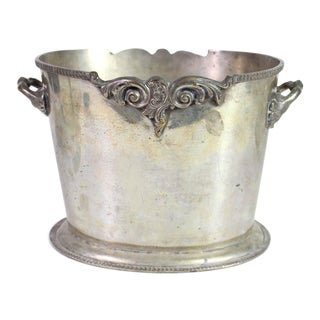 Early 20th Century British Colonial Ice Bucket Wine Cooler Bin in Silver Plated Brass For Sale