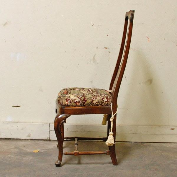 Queen Anne 1990s Queen-Anne Style Fiddleback Mahogany Side Chair For Sale - Image 3 of 10