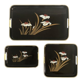 1960s Floral Japanese Lacquerware Nesting Trays For Sale