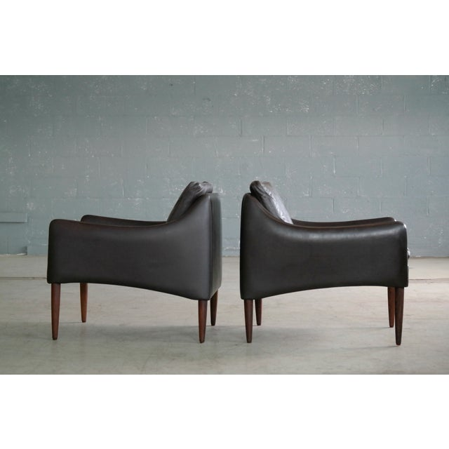 Brown Hans Olsen Danish Brown Leather and Rosewood Lounge Chairs - a Pair For Sale - Image 8 of 13