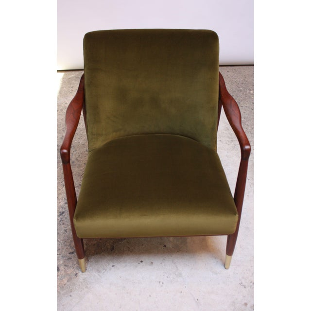 Mid-Century Italian Modern Sculpted Walnut and Velvet Lounge Chair For Sale In New York - Image 6 of 13