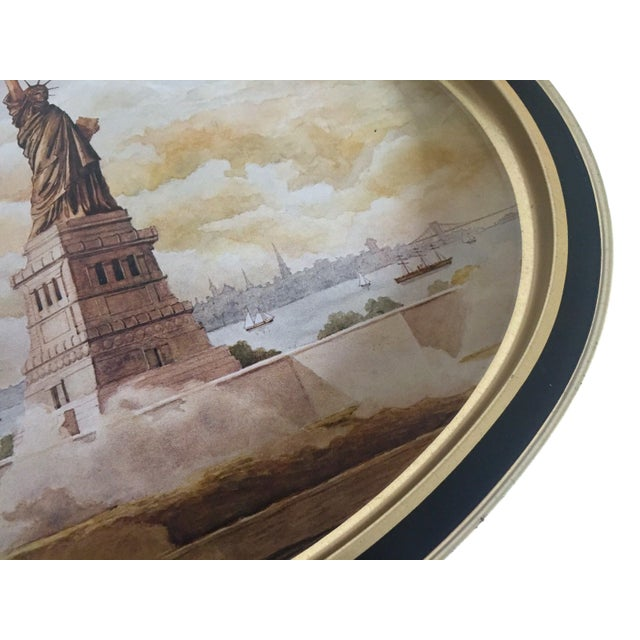 "Various Artists Vintage 1985 "" Statue of Liberty "" Collector's Limited Edition Lithograph Sunshine Biscuit Oval Tin Serving Tray For Sale - Image 4 of 9"