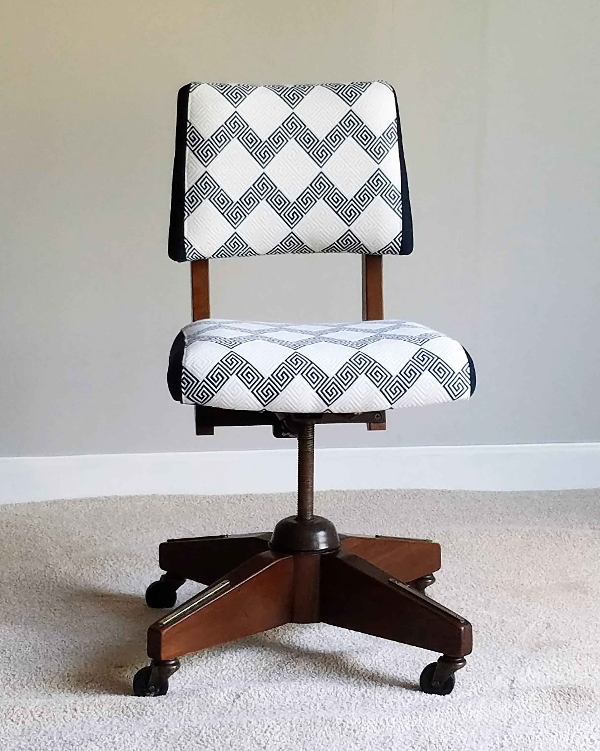 Mid Century Modern Vintage Boling Chair Company Walnut Desk Chair For Sale    Image 3