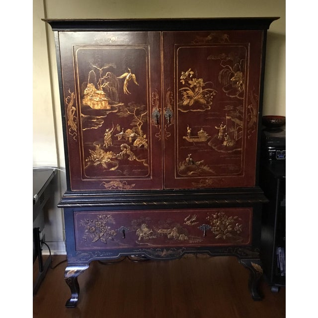Beautiful chinoiserie cabinet. Upper cabinet and a large deep draw.