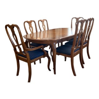 1990s Vintage Ethan Allen Country French Dining Table & Chairs- 7 Pieces For Sale