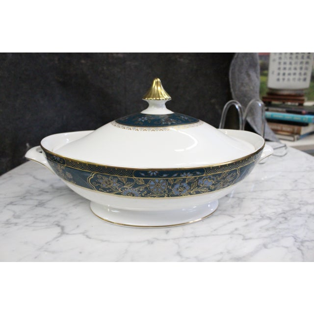 Turquoise Mid 20th Century Royal Doulton Gold and Turquoise Accent Tureen For Sale - Image 8 of 11