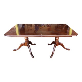 Thomasville Veneered Rectangular Queen Anne Style Dining Room Table W/ 1 Leaf 1990s For Sale