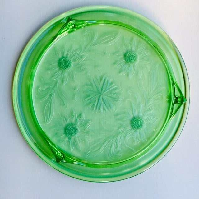 1930s 1930s Jeanette Glass Co. Green Depression Glass Cake Tray With Sunflower Design For Sale - Image 5 of 6