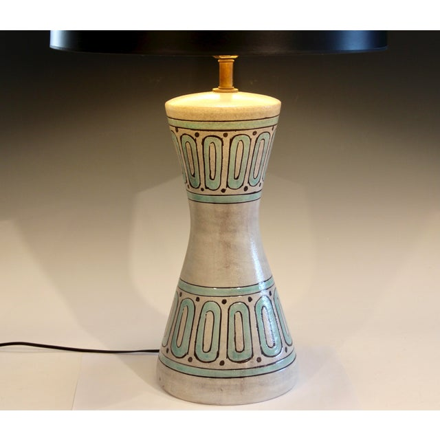 Bitossi 1960s Bitossi Pottery Londi Vase Italian Raymor Geometric Abstract Ceramic Lamp For Sale - Image 4 of 7